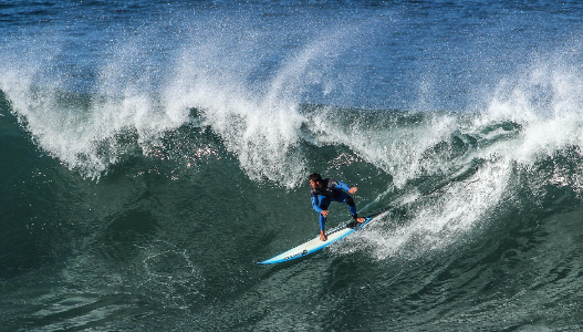 guy surfing a wave, surf, asturias, north of Spain, surf paradise, asturias paradise water sport